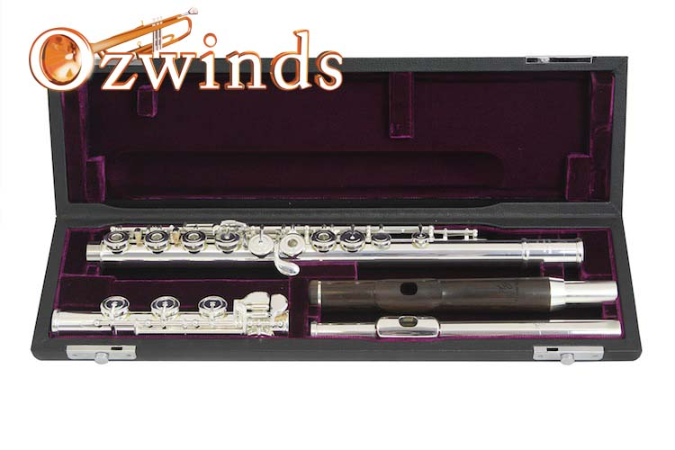 Trevor James Cantabile Flute 31CF-HROEWD with two head joints.