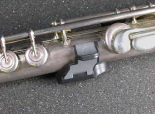 Fingerport - a left hand support for flute players